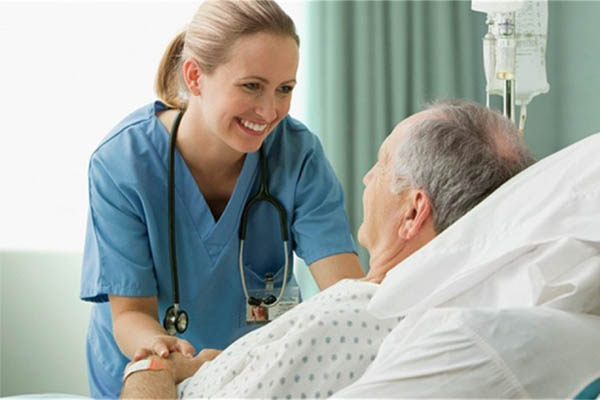 Chăm sóc bệnh nhân tại bệnh viện