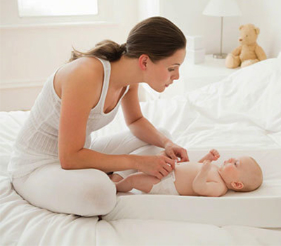 Chăm sóc mẹ và bé tại nhà